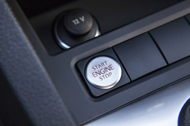 Linha 2016 do Volkswagen Jetta passa a contar com motor 1.4 TSI de 150 cv