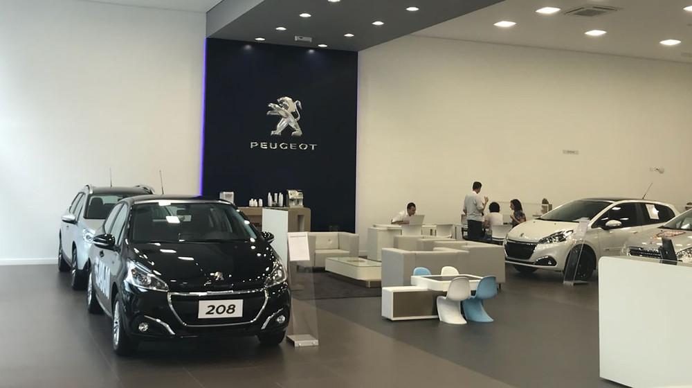 Peugeot inaugura concessionária em Santos