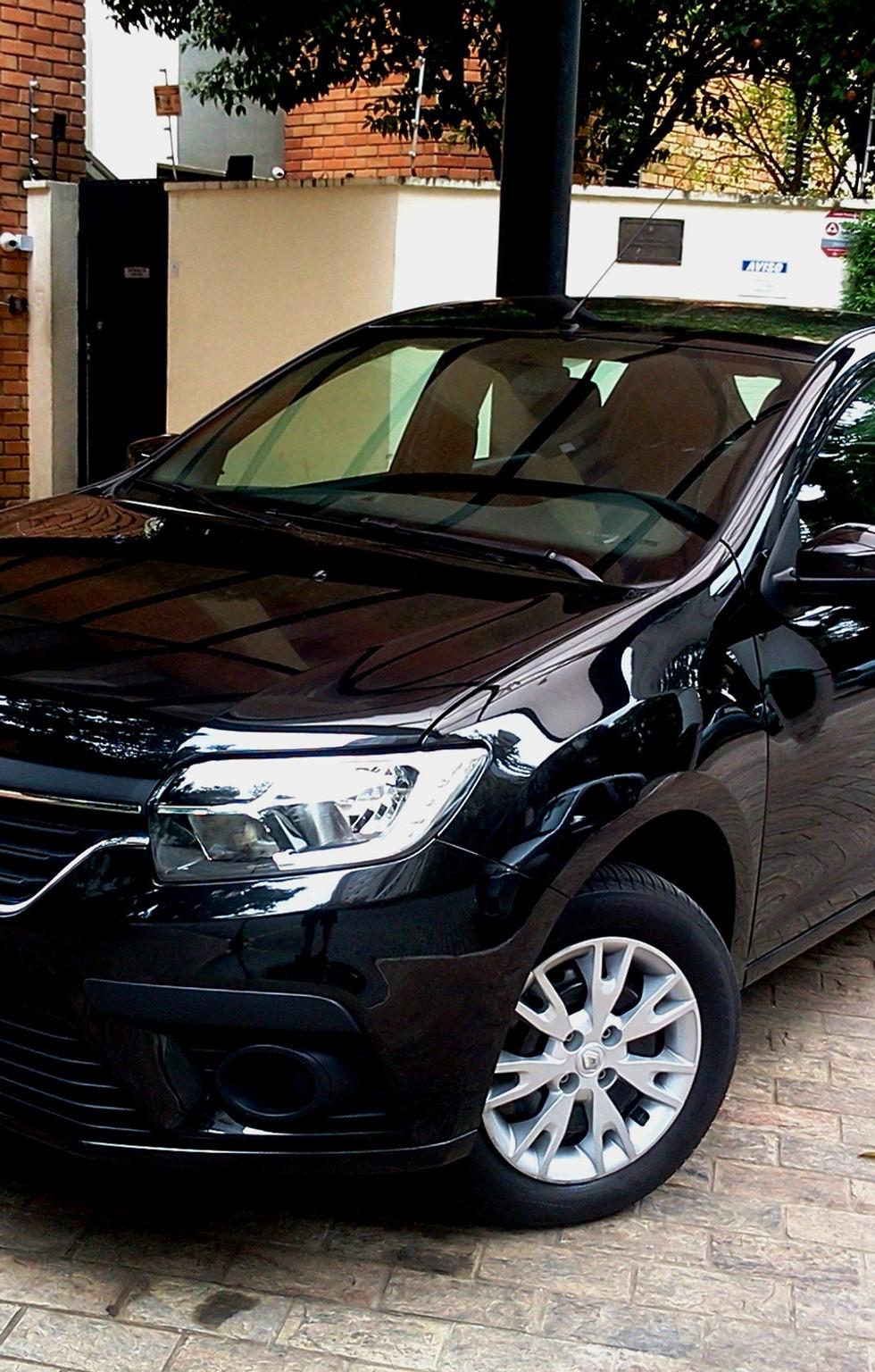 Renault entrega Sandero na versão 1.6 Zen de câmbio manual com preço competitivo