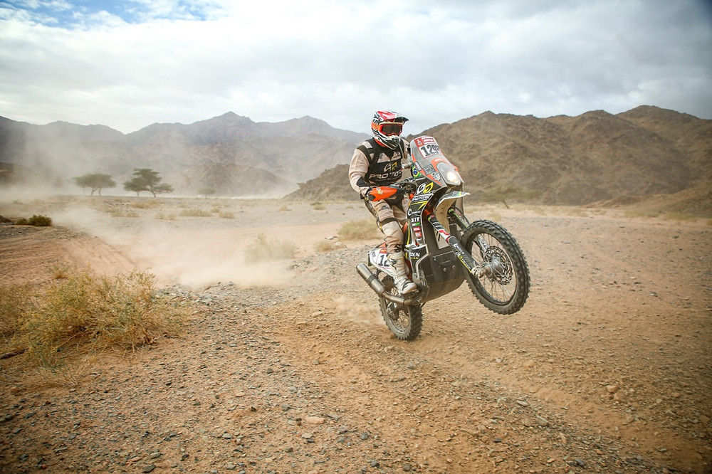 Paranaense Lincoln Berrocal completa Rally Dakar aos 61 anos