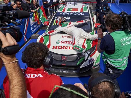 Dia de sonho para Tiago Monteiro no WTCC