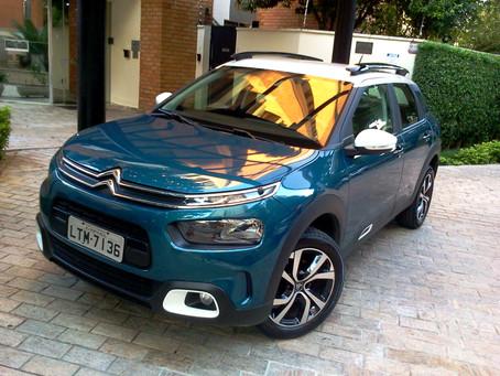 Avaliação: Citroën C4 Cactus Shine 1.6 Turbo, ele é o mais irreverente e ágil SUV compacto do Brasil