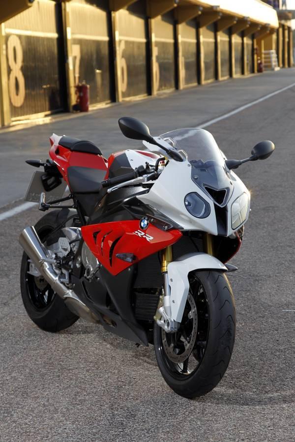 BMW Motorrad oferece rastreador Tracker Moto para novos clientes
