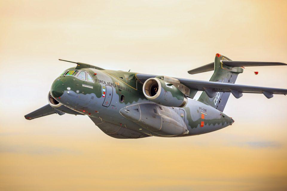 Embraer identificou danos extensos nos três trens de pouso, além de avarias na parte estrutural da fuselagem em incidente com o modelo KC-390
