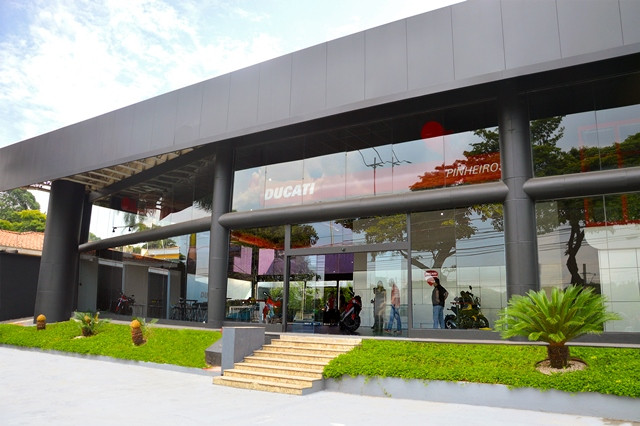 Ducati abre loja modelo em São Paulo