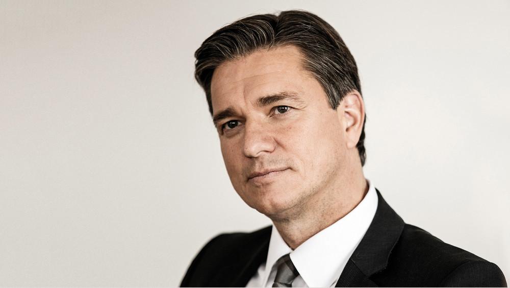 Vice-presidente do Conselho Executivo e membro do Conselho Executivo para Finanças e TI da Porsche