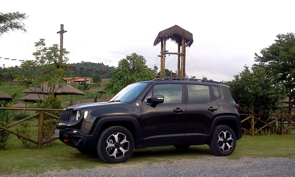 Avaliação: Jeep Renegade 4x4 Trailhawk, ele é diferenciado no segmento