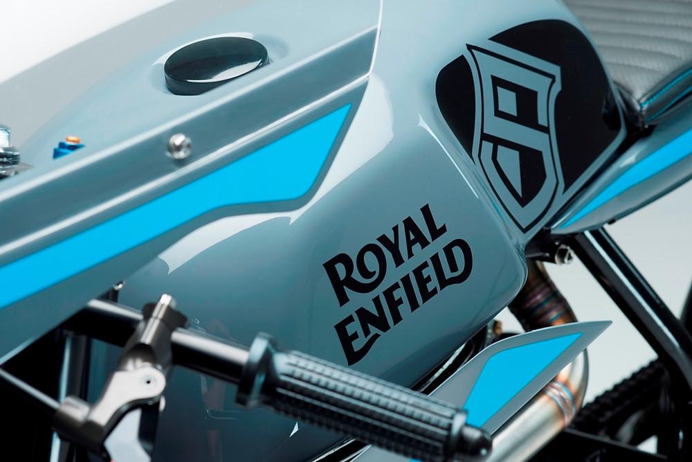 Royal Enfield apresenta duas motocicletas customizadas no Wheels and Waves 2017, na França
