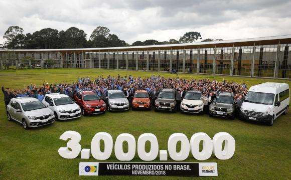História de crescente sucesso no Brasil, Renault alcança marca de 3 milhões de veículos produzidos no país