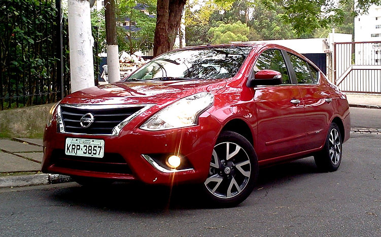 Avaliação: Nissan Versa 1.6 CVT Unique