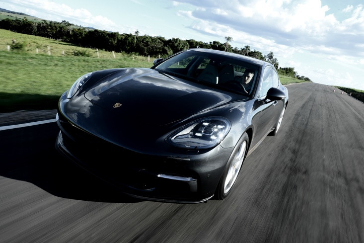 Novo Porsche Panamera chega com novos motores V6 turbo e V8 biturbo