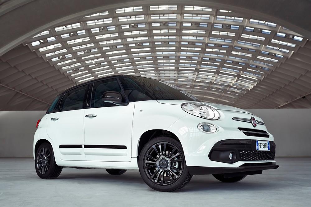 120 anos de história da Fiat no estande da marca no Salão de Genebra