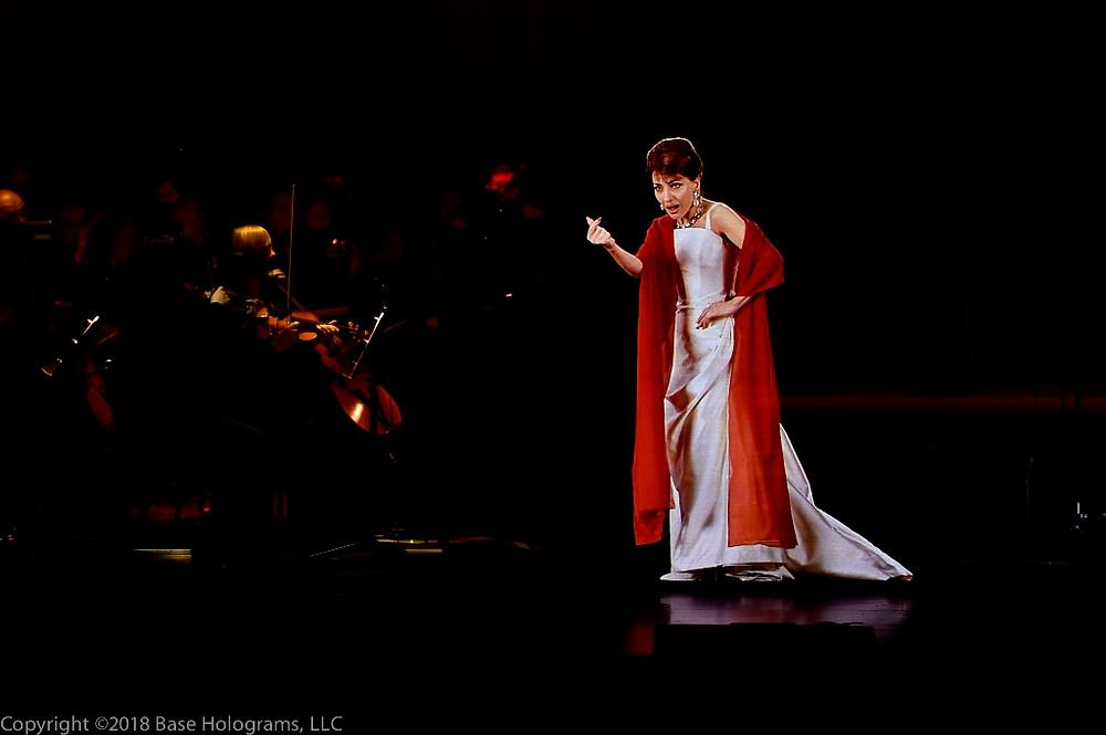 Callas in Concert, The Hologram Tour no Brasil, recria digitalmente a cantora no palco nos mínimos detalhes.