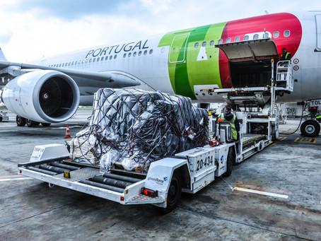 Aviação: Globalmente carga aérea bate recordes, mas América Latina continua recuando