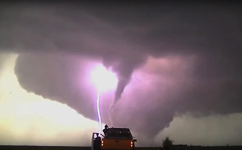 Ford F-150 Flash, a caça tornados!