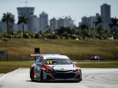 Stock Car abre temporada com 25 carros no mesmo segundo e Gaetano Di Mauro como mais rápido
