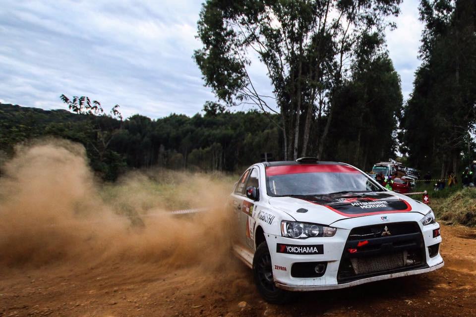 Ao volante do Lancer Evolution X, Ulysses Bertholdo é campeão brasileiro de Rally de Velocidade