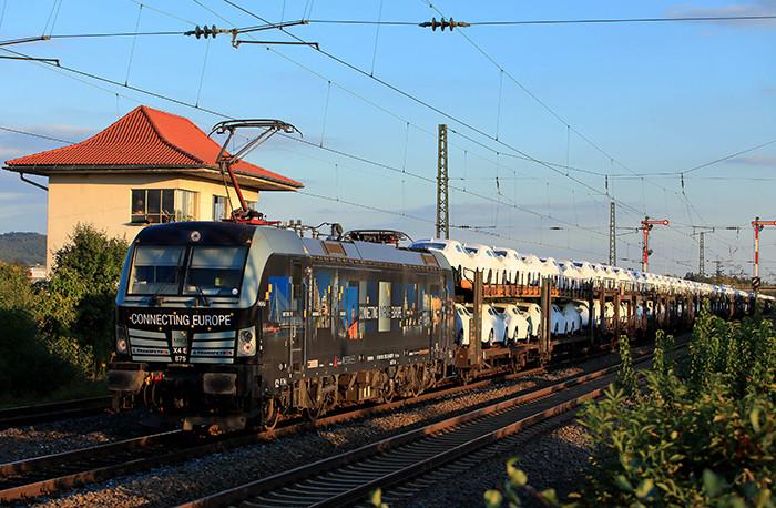 Siemens vai entregar mais dez locomotivas Vectron para a MRCE