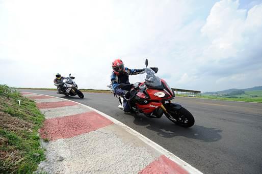 BMW Motorrad proporcionou teste para convidados com a nova BMW S 1000 XR