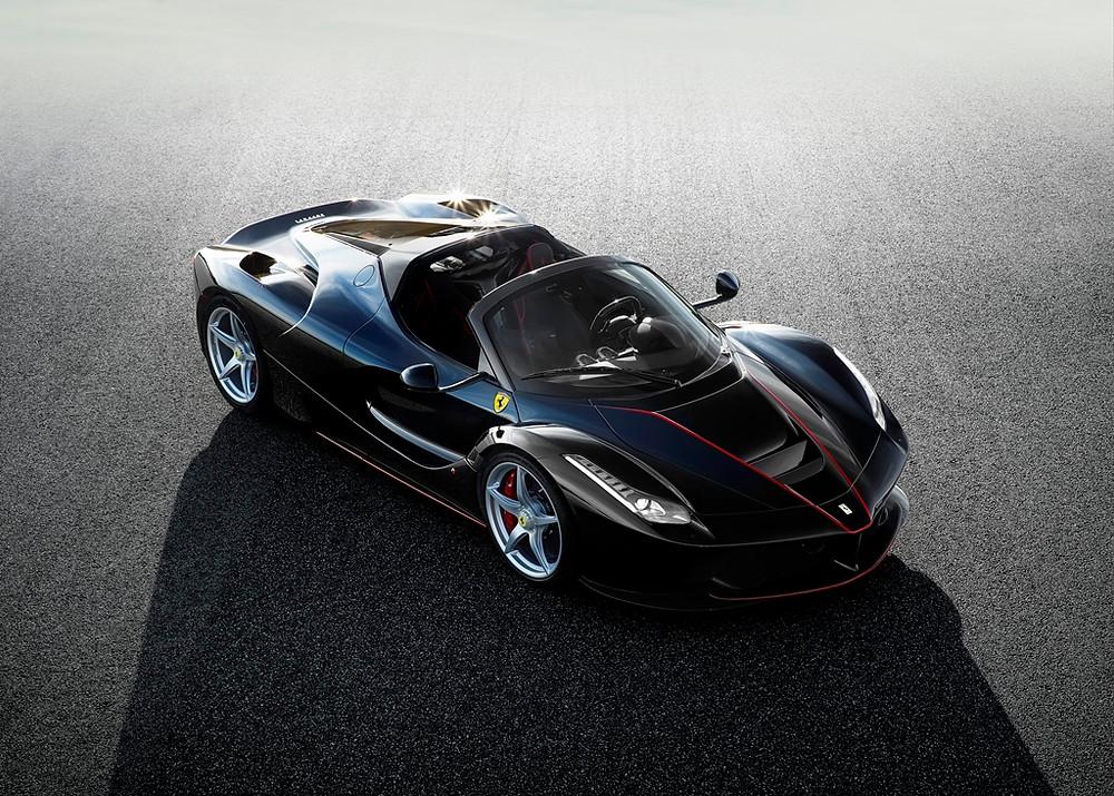 Ferrari comemora 70 anos de marca com a exclusiva LaFerrari Aperta