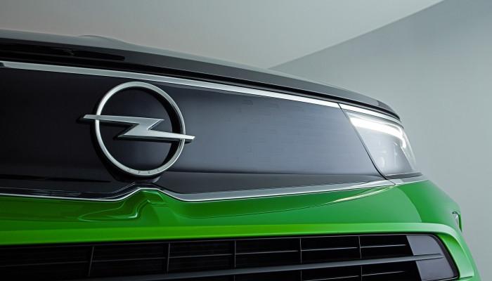 Expressas: Opel moderniza seu logotipo