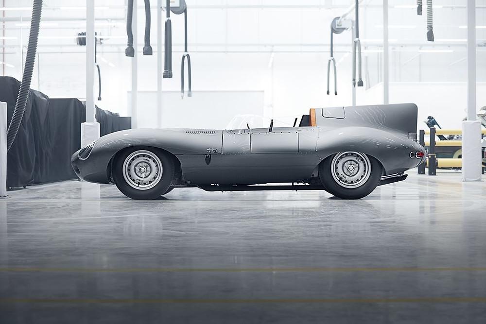 Jaguar recomeça a produção artesanal de 25 unidades do lendário D-Type