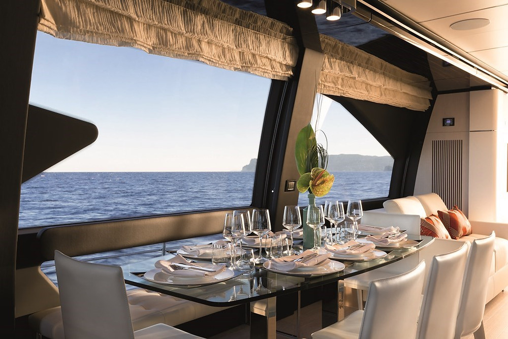 Iate de luxo de mais de 22,5 metros com fibra de carbono pura será lançado no São Paulo Boat Show 2017