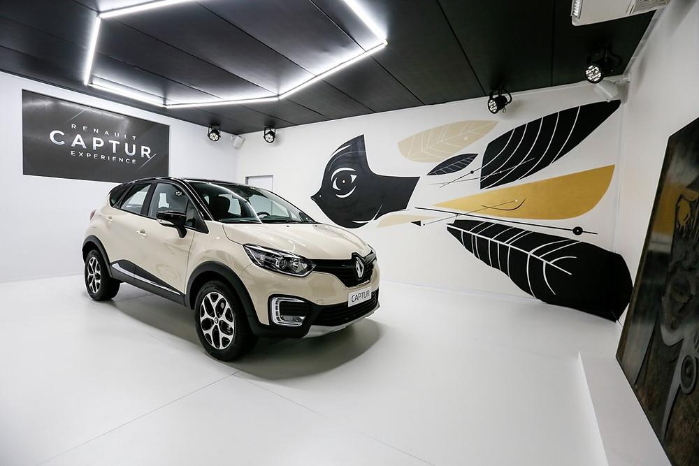 Oscar Freire recebe o Renault Captur Experience