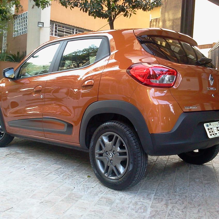 Renault Kwid vs NIssan March