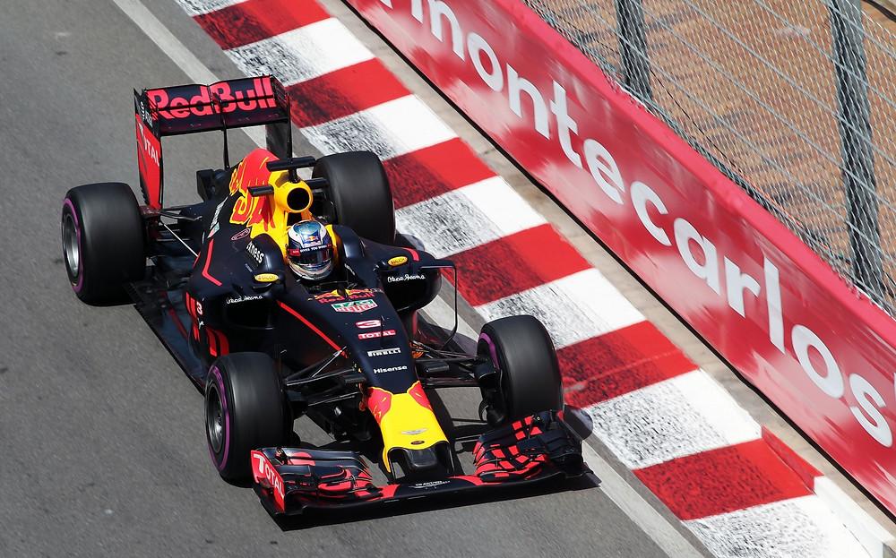 F1: Ricciardo é pole no Mônaco com o novo motor Renault