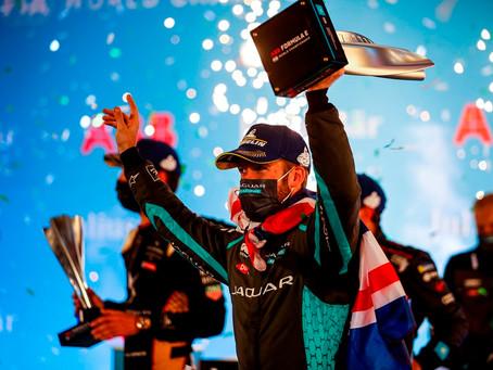 Fórmula E: Sam Bird consegue vitória em Diriyah com a Jaguar
