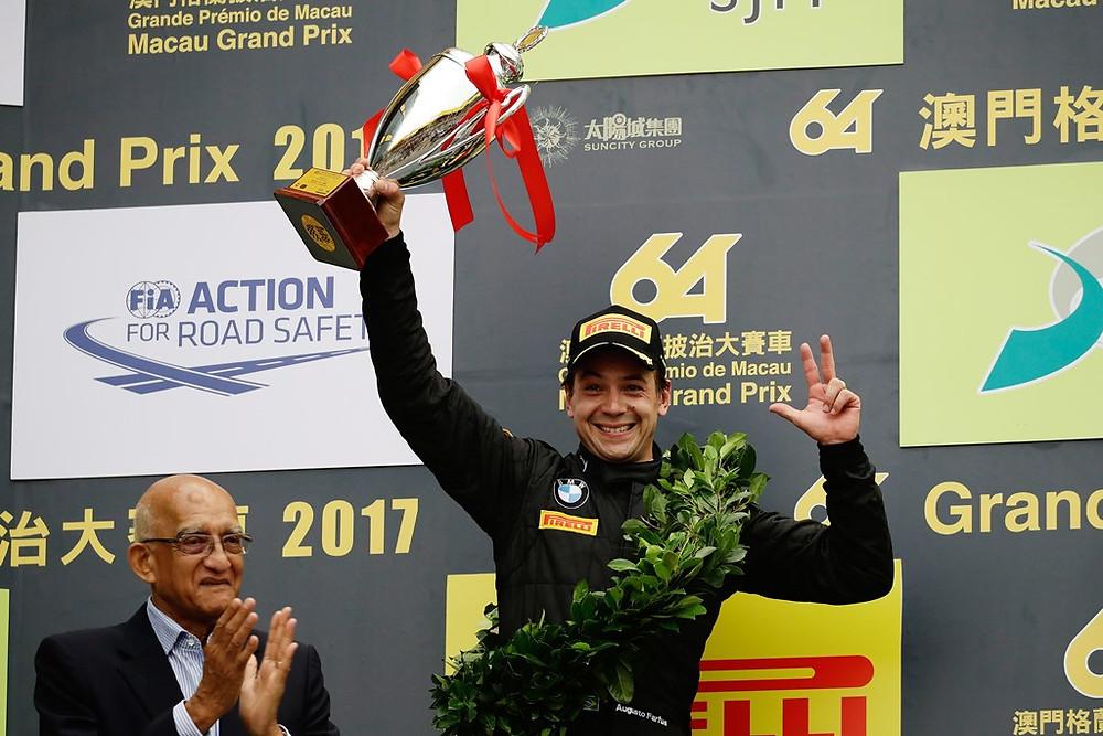 Farfus termina em 2º lugar corrida classificatória em Macau