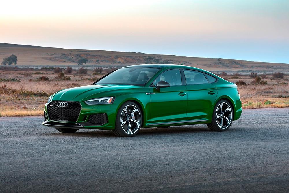 Audi RS 5 Sportback tem motor 2.9 V6 TFSI rende 444 cv e 600 Nm de torque
