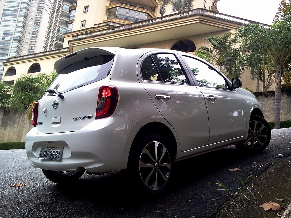 Ágil, prático e divertido, assim é o Nissan March 1.6 SL CVT