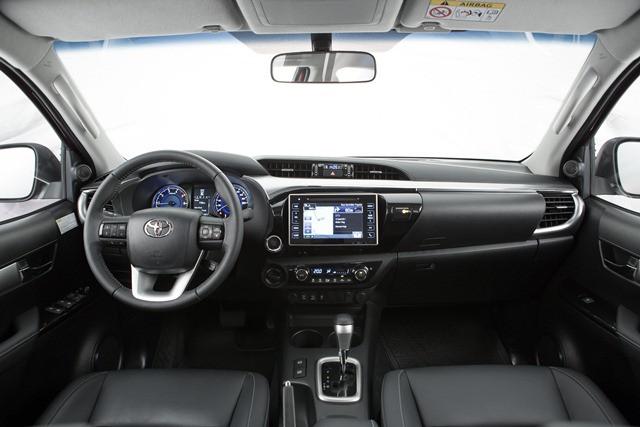Toyota apresenta a nova Hilux ao mercado brasileiro