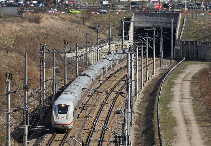 Novo trem ICE4 da Siemens inicia serviços regulares ligando Hamburgo com Munique e Stuttgard