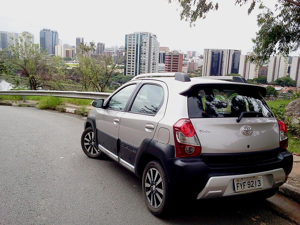 Toyota Etios Cross, ele convida ao verão