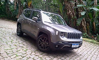 Próxima avaliação:  Jeep Renegade Limited  Atualização deixa ele mais atraente com o teto panorâmico