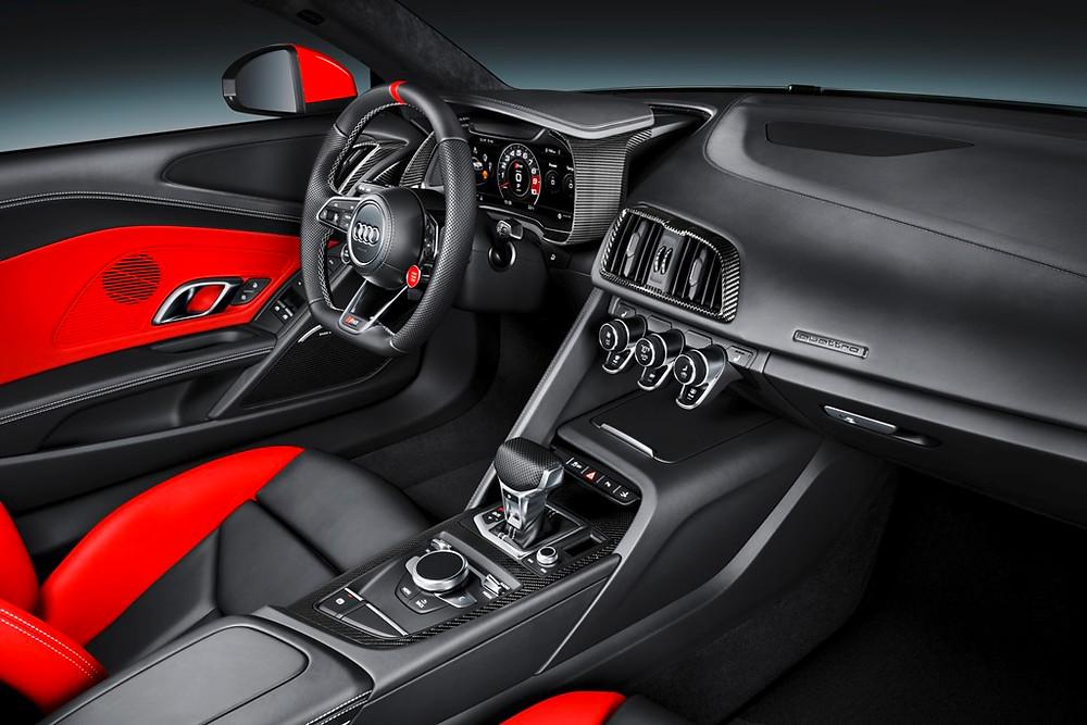 Versão limitada AUDI SPORT, traz as cores das pistas para o R8 Coupé