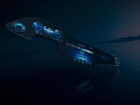 Mercedes-Benz EQS apresenta a tela multimídia que leva interação para níveis superiores