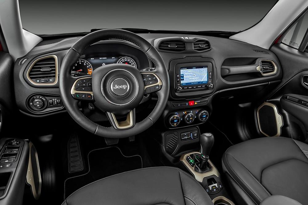 Salão do Automóvel mostra linha 2017 do Jeep Renegade