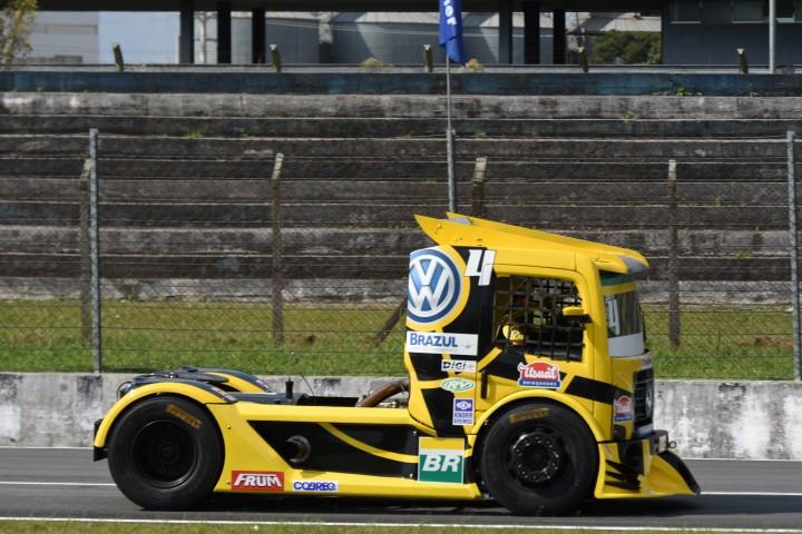 Felipe Giaffone o mais rápido na sexta feira em Curitiba