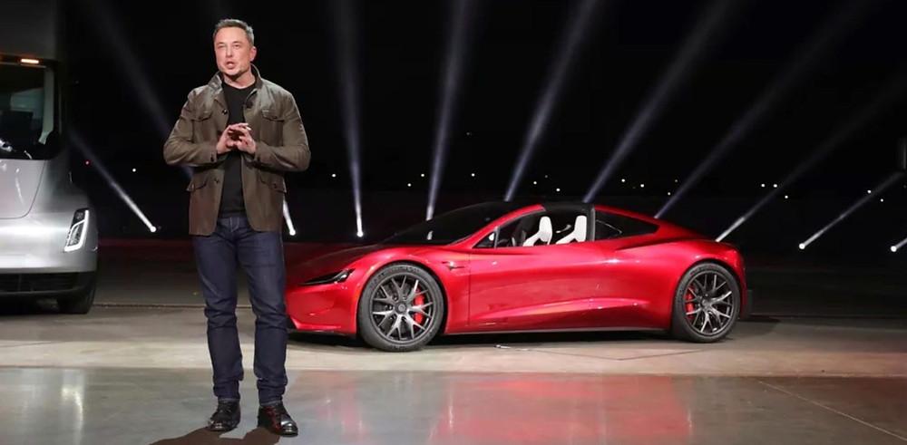 Expressas: Segundo Elon Musk, Tesla vai produzir um hatchback pequeno