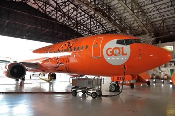 GOL lança aeronave temática de TV ao Vivo no hangar de Congonhas