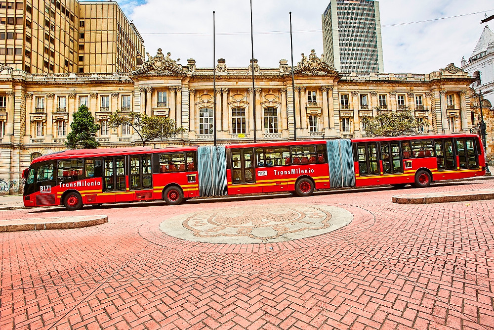 Começa a operação dos novos ônibus Volvo no Transmilenio, BRT de Bogotá