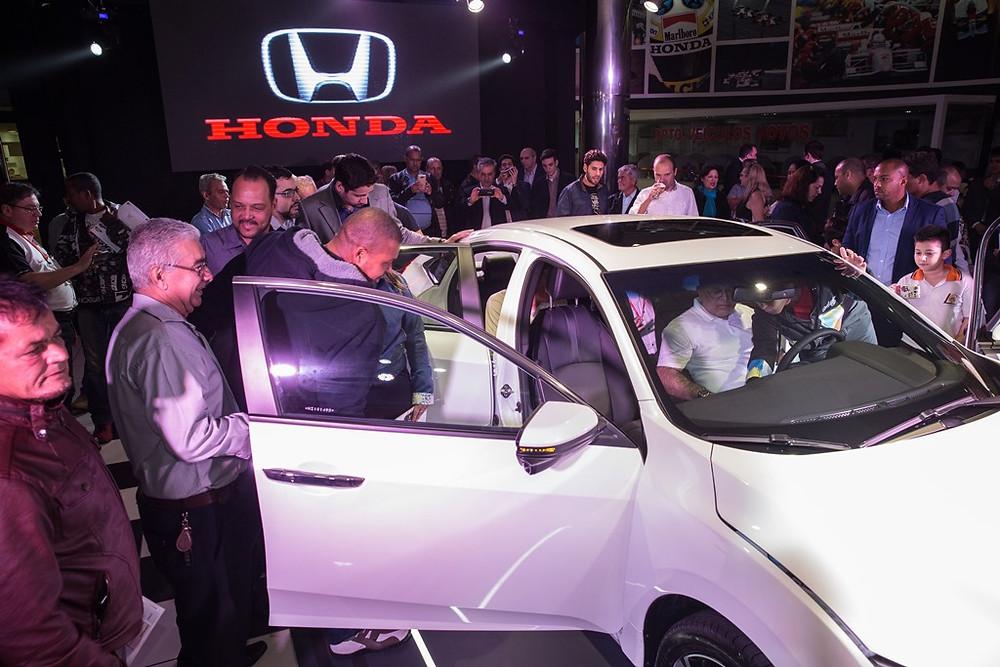 Honda Civic Geração 10 chega nas concessionárias