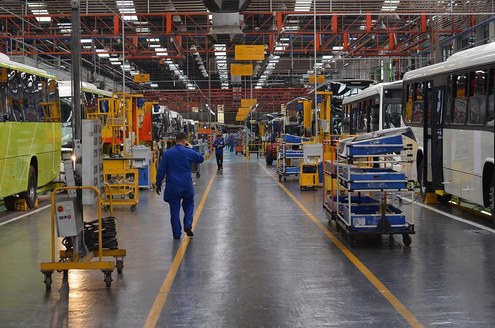 Marcopolo vai retornar a produção nas unidades de Caxias do Sul e Rio de Janeiro