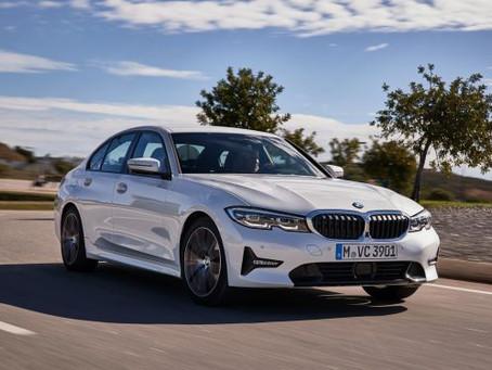 Em três versões, BMW Série 3 ganha motor Flex e tecnologia digital key
