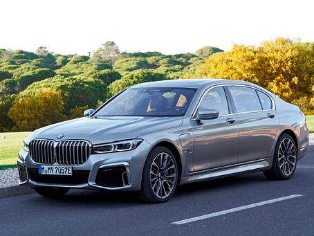 BMW Série 7 estreia no Brasil versão hibrida de 394 cavalos