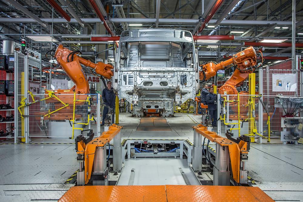 Fábrica de cabines da Volvo em Curitiba completa 20 anos